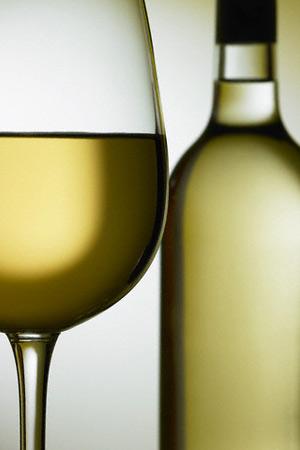 Цены на алкоголь снизили
