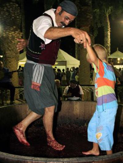 50 лет фестивалю вина в Лимассоле